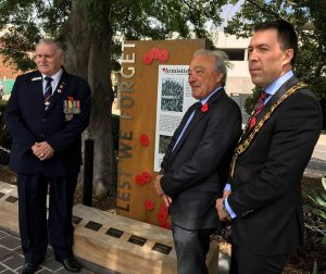 new Armistice Centenary Memorial was unveiled in Mawson Park by Mayor George Brticevic, Macarthur MP Dr Mike Freelander and Campbelltown RSL sub branch vice president Warren Browning.